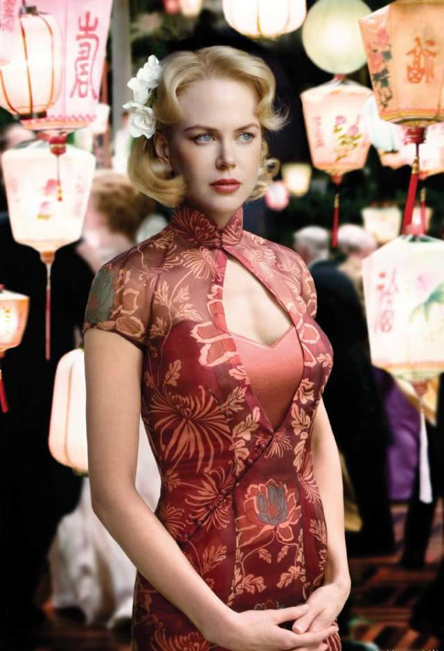 惊讶,外国女星穿上旗袍后居然这么美