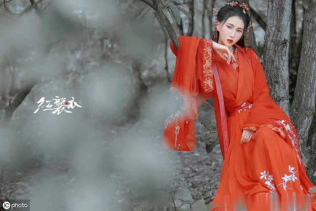 苏轼:蝶恋花·昨夜秋风来万里(梦断魂销,一枕相思泪)..